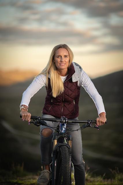 Xterra triathlete Jacqui Slack with her XC mountain bike.
