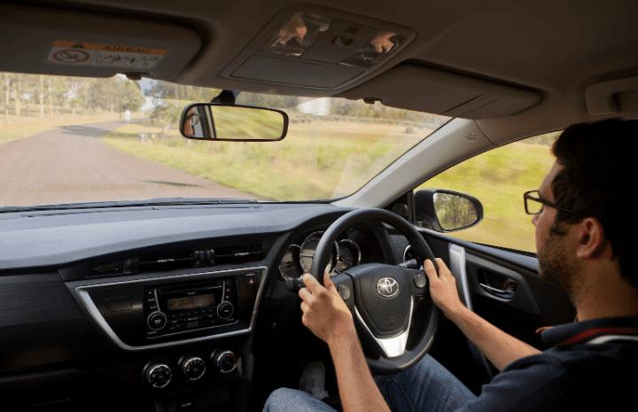 cara mengemudi mobil dengan tenang