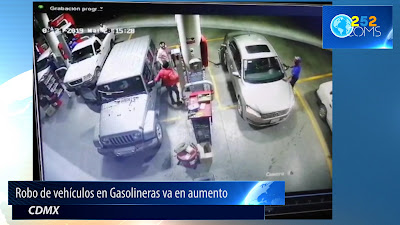 Roban autos mientras cargan combustible en la CDMX