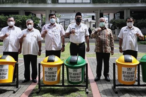Pemko Medan Terima  110 Tong Sampah dari Musim Mas