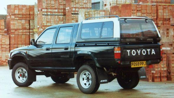 Lịch sử phát triển dòng xe Toyota Hilux: Dòng xe thương mại uy tín nhất thế giới