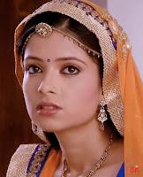 Biodata Pooja Singh pemeran Emily Mohit / Om Rathi