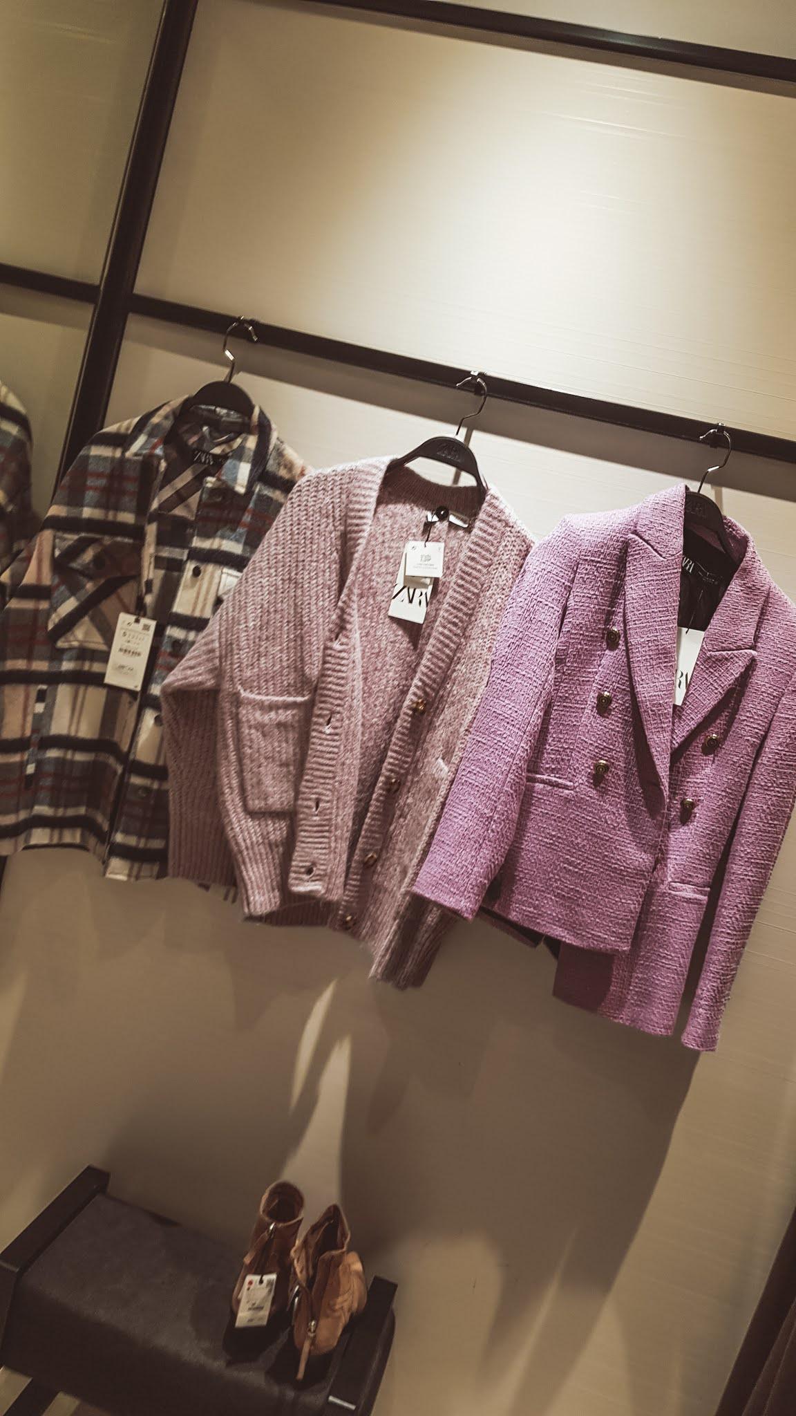 Moda na jesień 2020. Co nosić i jak się ubierać jesienią.