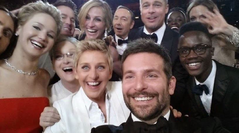 Ellen DeGeneres did a group selfie in the Grammys.