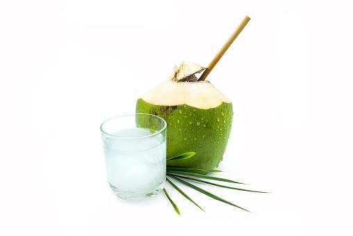 manfaat air kelapa muda bakar untuk pria