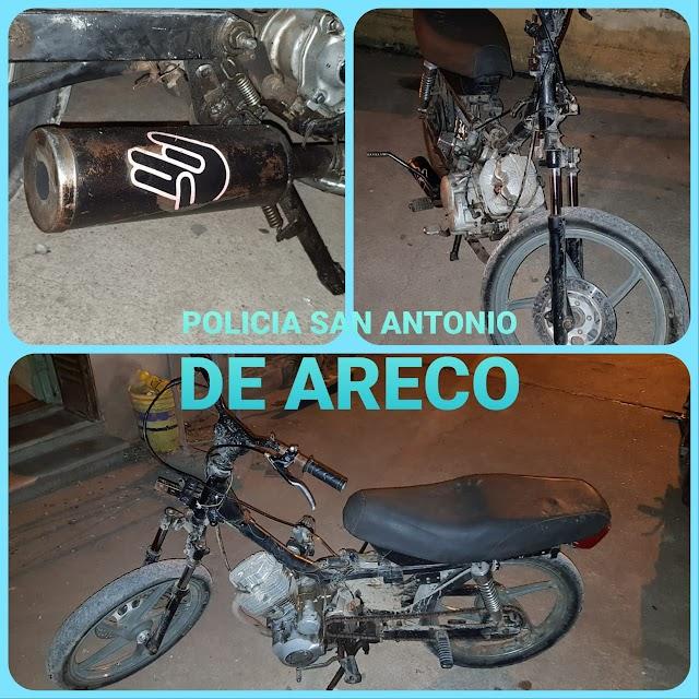 Secuestro de moto 110cc por tener escape ilegal e información cambiada