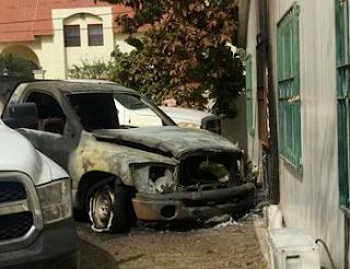 Queman vehiculos de Jurisdicción Sanitaria en Reynosa, Tamaulipas