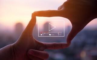 Mengapa video lebih efektif daripada teks?