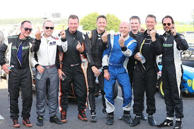 Top eight drivers giving the one fingered salute!  Great cameraderie fellas!