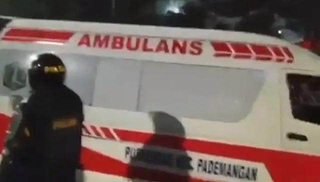 5 Ambulans Pemprov DKI Ketahuan Angkut Batu dan Bensin Saat Rusuh
