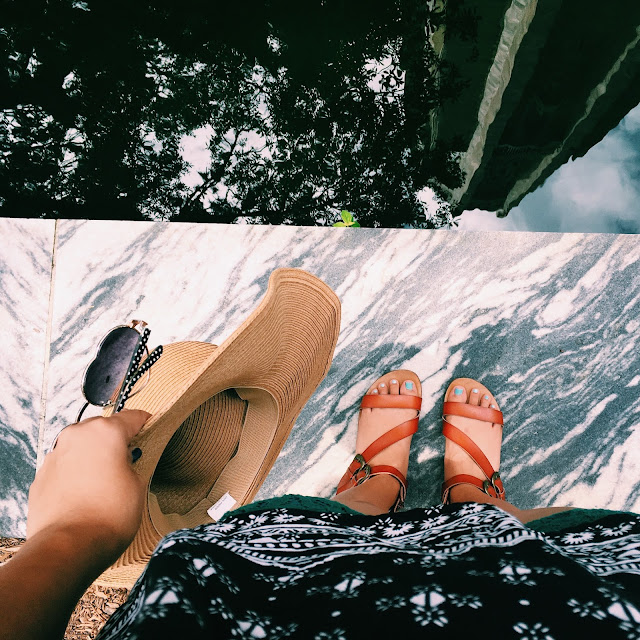 bok tower gardens, Lauren Banawa, strappy sandals, ootd, marble fountain
