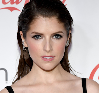 anna kendrick diamond shaped face