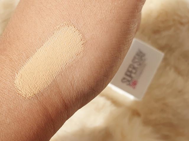 makeup na pokozke ruky