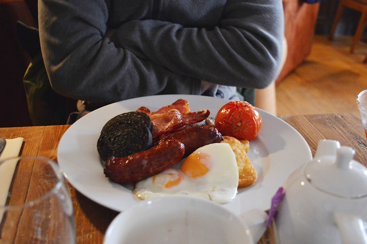 Full English Breakfast at The Loopy Shrew, The Loopy Shrew review Shrewsbury, food bloggers, lifestyle bloggers, FashionFake blog