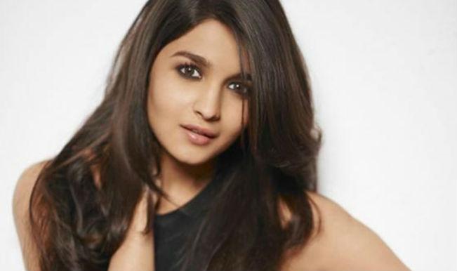 Bollywood Actress Alia Bhatt Hot Photos And Hd Wallpapers