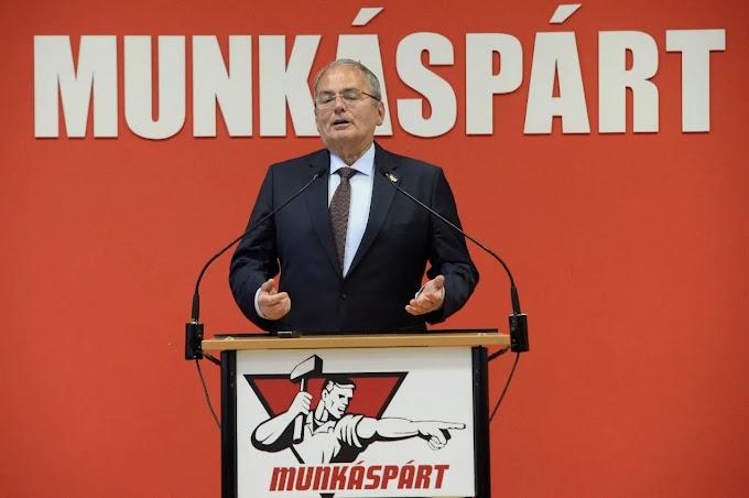 Hitelesítették a Munkáspárt tankötelezettségről szóló népszavazási kezdeményezését