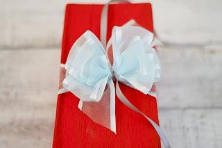 como hacer lazos para regalos