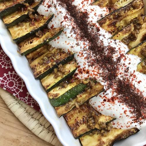 marinierte Zucchini mit Knoblauchjoghurt