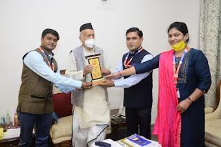 महाराष्ट्र के महामहिम राज्यपाल ने दीन दयाल फाउंडेशन के राष्ट्रीय अध्यक्ष को प्रशस्ति पत्र देकर किया सम्मानित