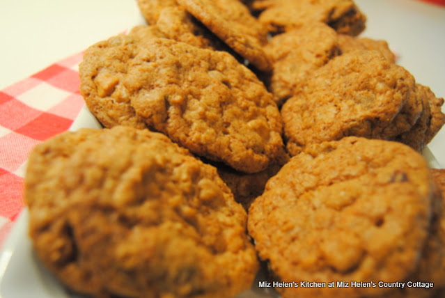 Chocolate Peanut Butter Oatmeal Cookies at Miz Helen's Country Cottage