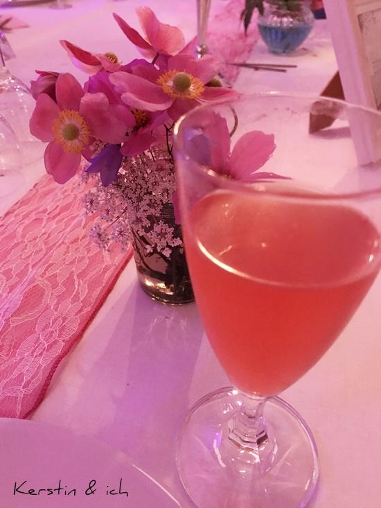 Tischdeko Mottoparty pink