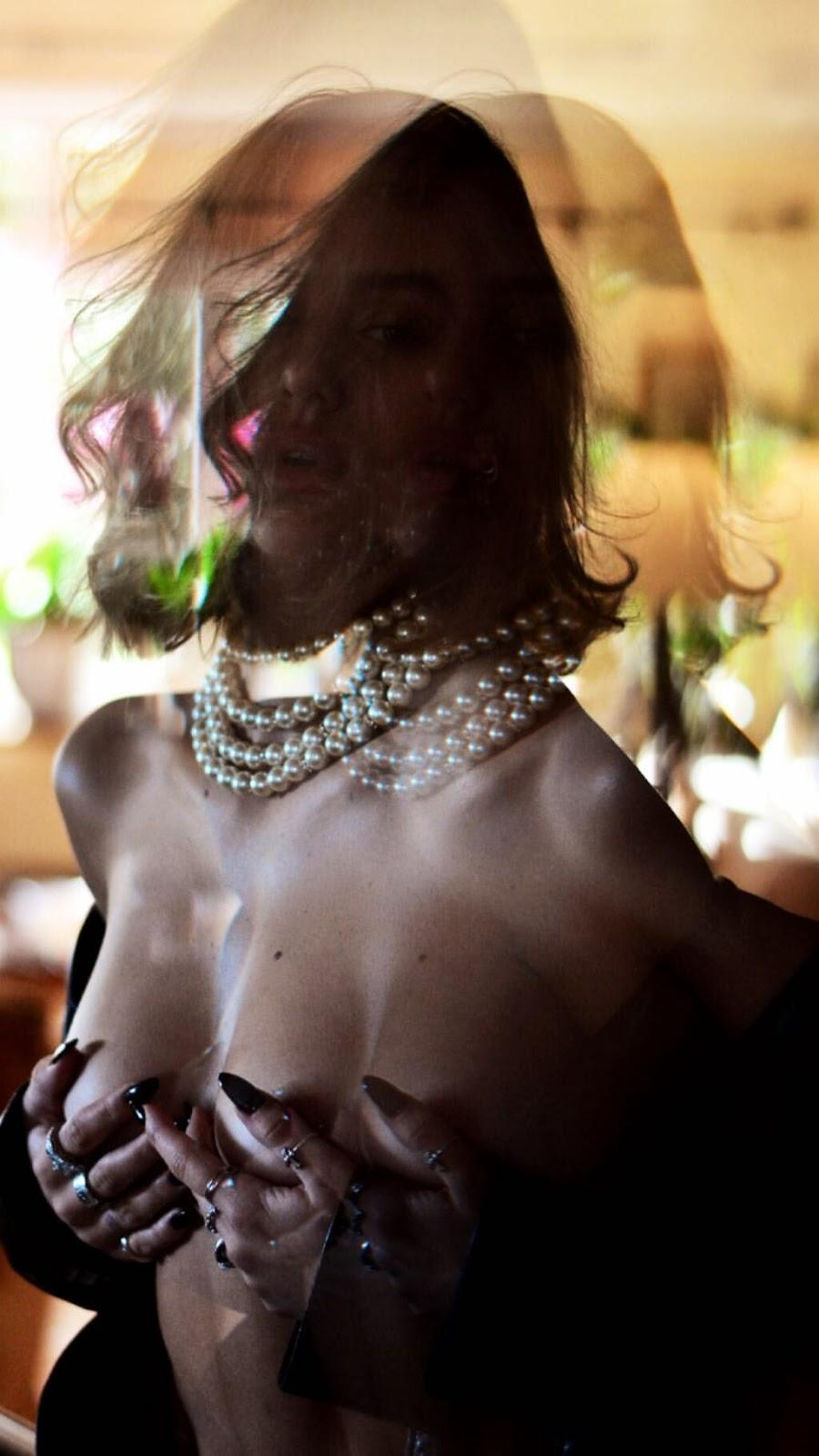 Delilah Belle Hamlin - Photoshoot By Amaury Nessaiba 2019