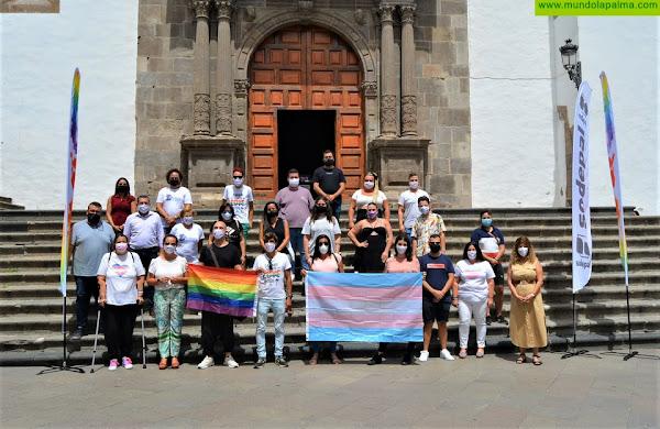 Love Festival logra reunir a los colectivos LGTBIQ+ de Canarias para debatir y exponer la realidad a la que cada día se enfrentan
