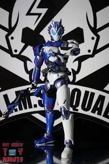 SH Figuarts Kamen Rider Vulcan Shooting Wolf 02