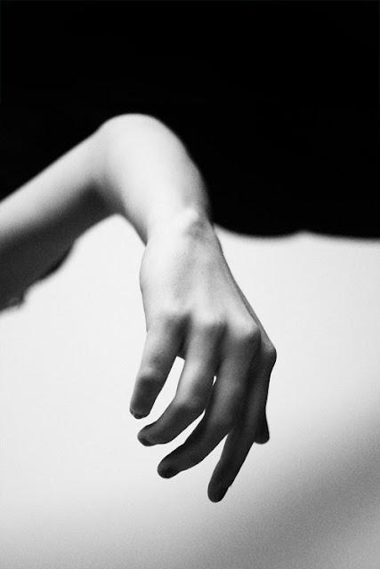 http://polaroid-e.tumblr.com/post/153688157134/art-sense-photo-by-ericros