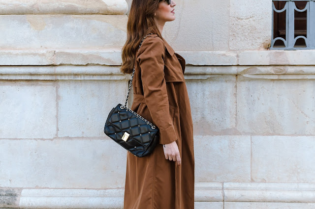 Fashion South con trench color toffee