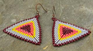 купить яркие серьги ручной работы треугольники серьги купить в интернет магазине