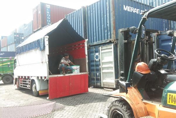 Sewa truk murah Jakarta Surabaya