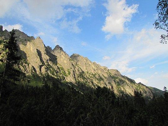 Zimnowodzka Grań (słow. Prostredný hrebeň, niem. Mittelriegel, węg. Középgerinc)