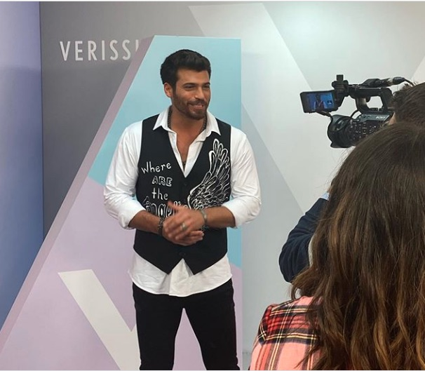 Can Yaman guest on ' Verissimo' talks about her relationship with Demet Ozdemir, her emotional situation and gives an anticipation of her future work.