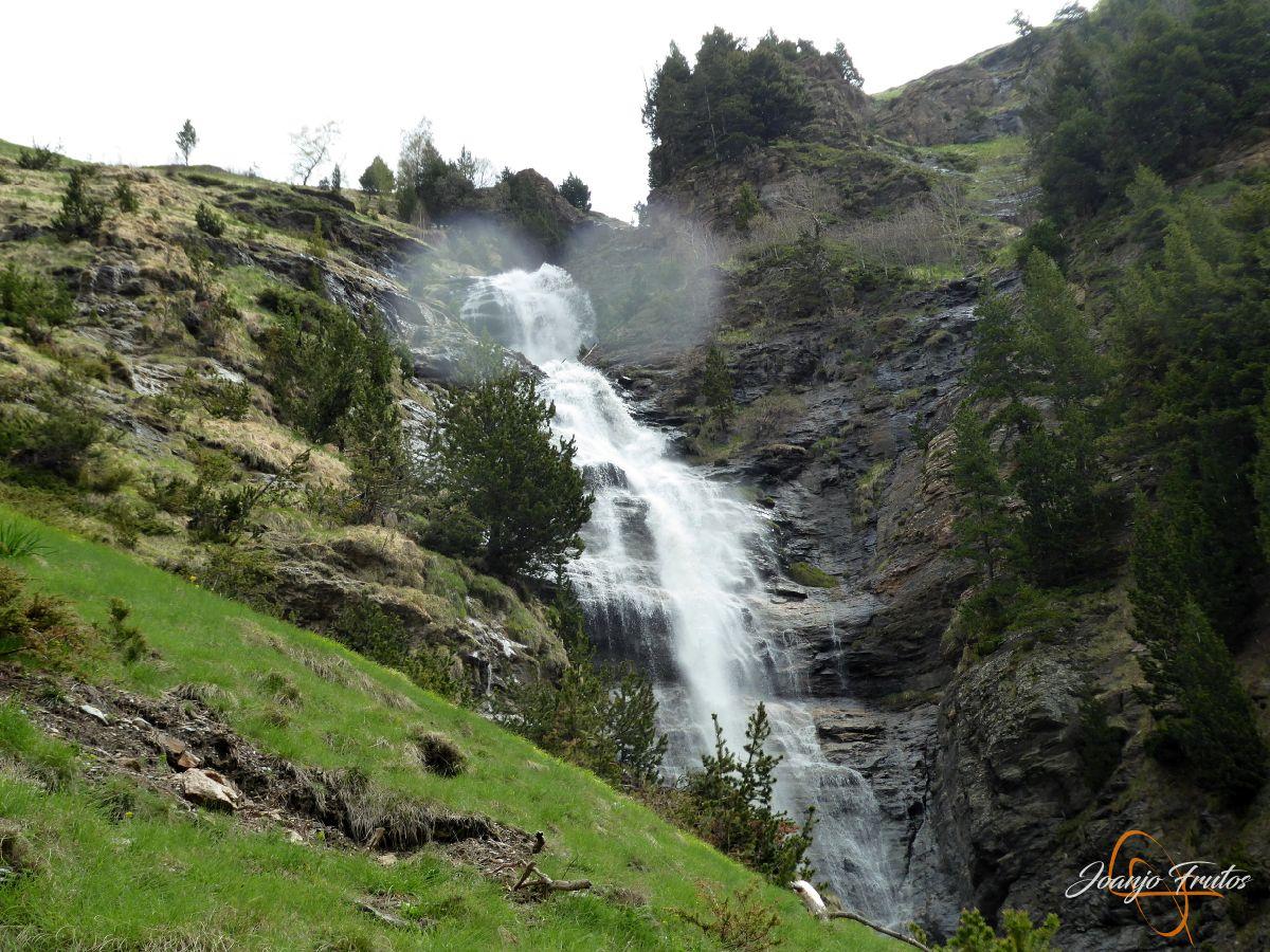 P1140124 - Ruta Las Tres Cascadas de Cerler con mucha agua