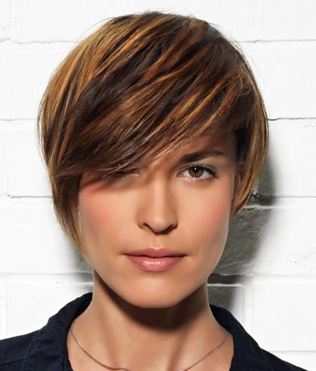 se trata de crear cabellos que combinen varias tonalidades y se aclaren dos o tres tonos ms que la basecon un recomendado cada tres meses