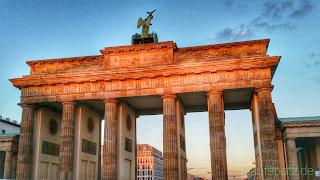 BWM Berlin Marathon 2016 Brandenburger Tor Ziel