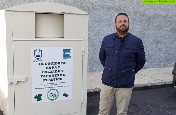 Los Llanos de Aridane instala dos nuevos contenedores para la recogida y reciclado de ropa y calzado