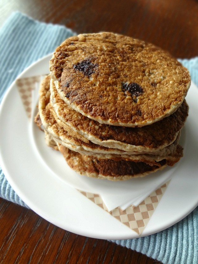 Banana Oatmeal Blueberry Pancakes {Baby Led Weaning Recipes}