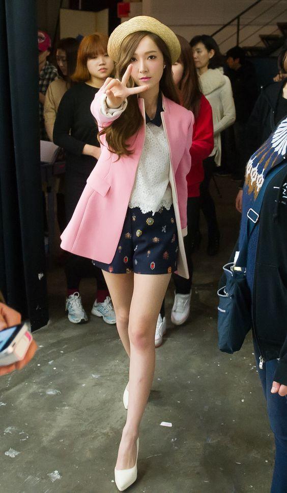 20 Airport Fashion Jessica Jung Simpel Dan Modis