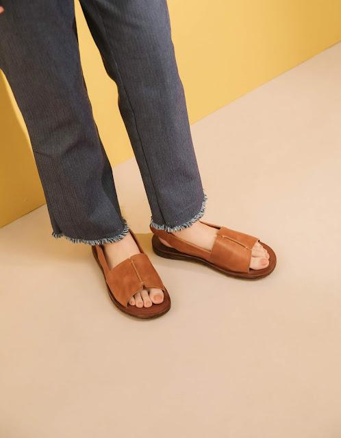 小節休息,手工寬版真皮涼鞋