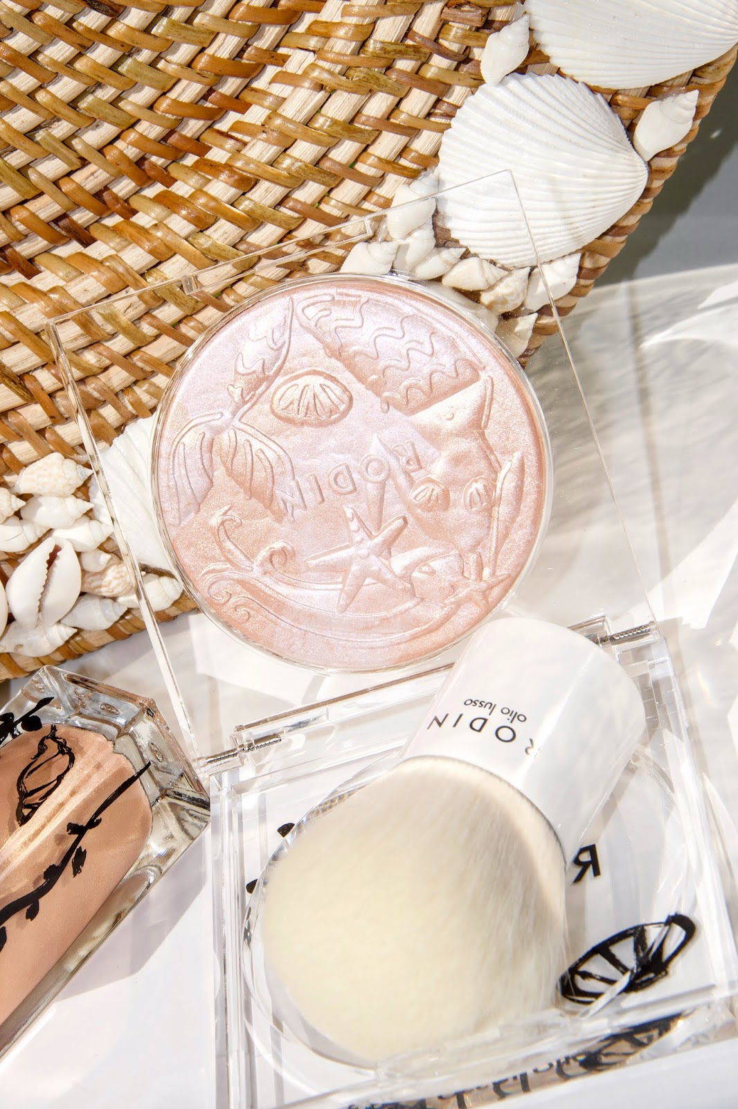 Rodin Olio Lusso Luxury Mermaid Illuminating Powder
