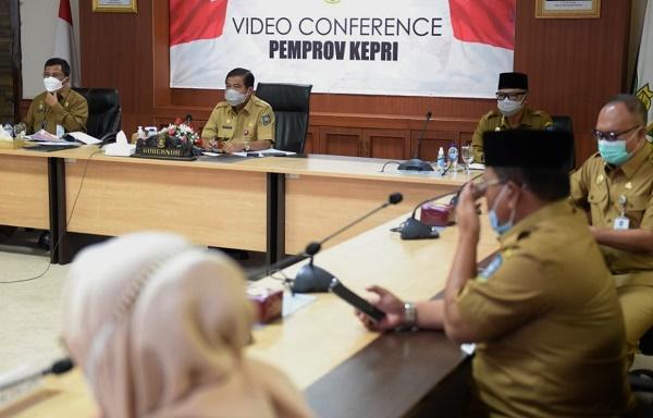 Vaksinasi Covid-19, Pemprov Kepri Rapat Bersama Menteri Kesahatan dan Dalam Negeri