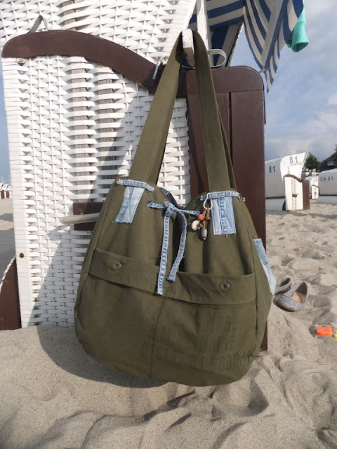 Beach-Bag aus Armeeplane