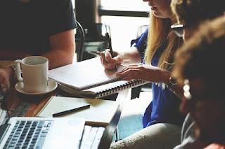 10 Cara Mudah Meningkatkan Keterampilan Menulis Blog