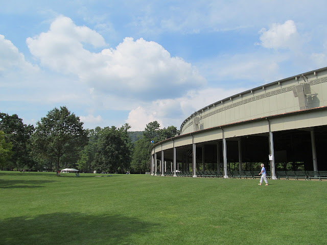 The Koussevitzky Music Shed, Tanglewood (Photo John Phelan, Wikipedia)