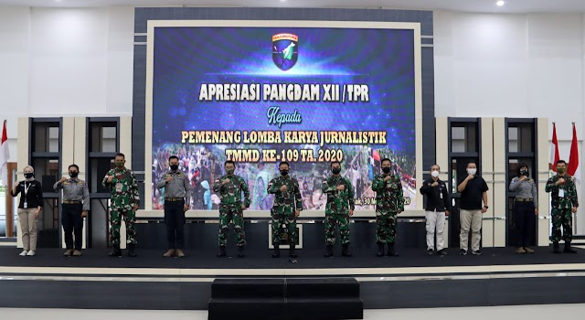 Pangdam XII/TPR Beri Apresiasi Pemenang Lomba Karya Jurnalistik TMMD ke-109