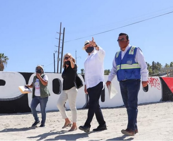 LOS CABOS: The wall will be demolished!