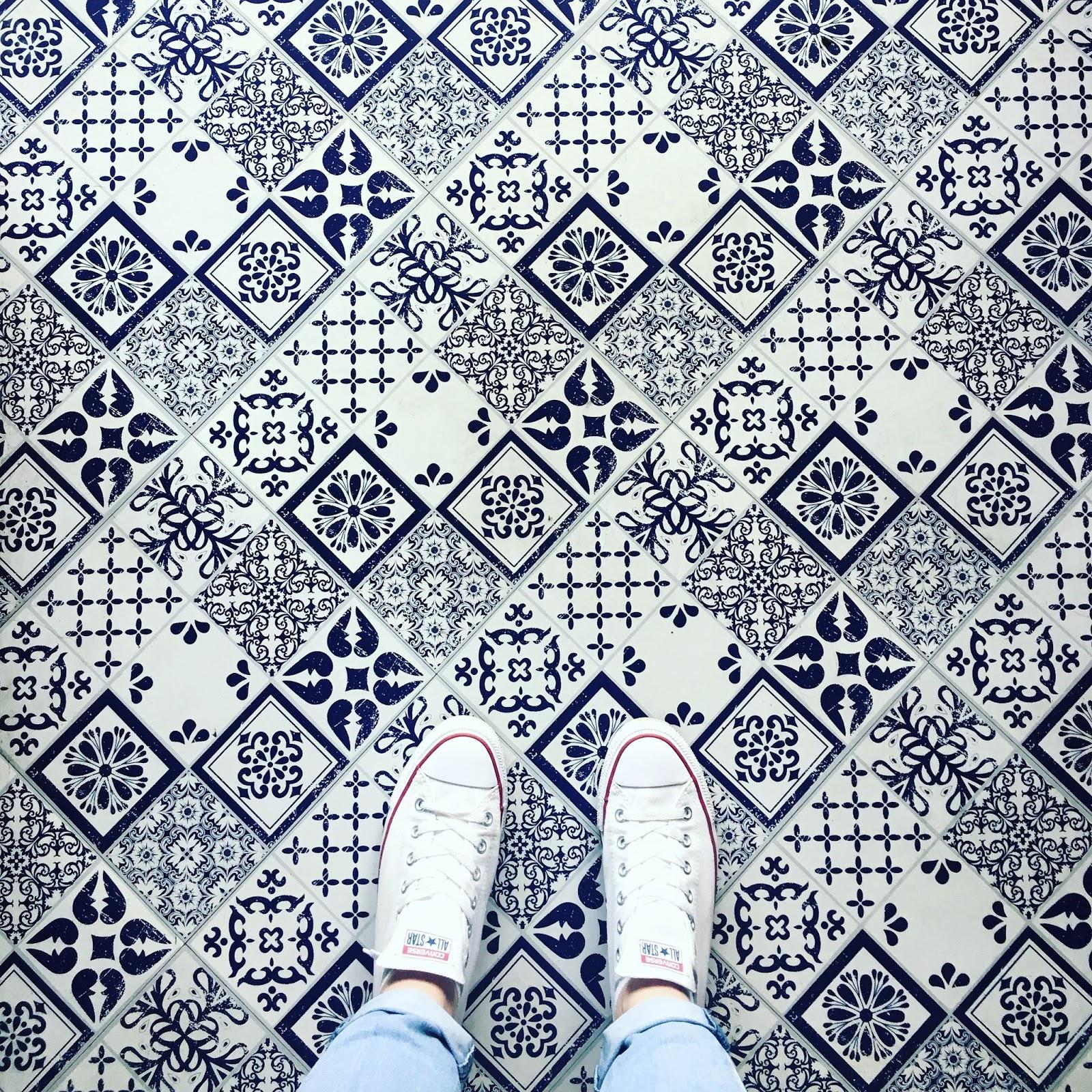 instagram floor meet and treat blue tiles