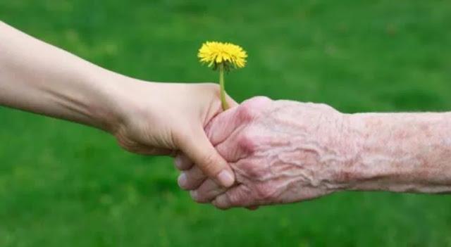 Τα συγκινητικά λόγια του Δημάρχου Επιδαύρου για τους παππούδες και τις γιαγιάδες που σήμερα γιορτάζουν